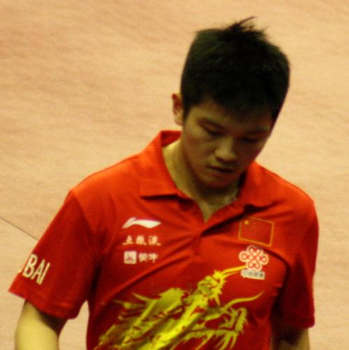 ... und verlor gegen seinen erst 16-jährigen Nationalmannschaftskollegen Fan Zhendong. Der gewann dann auch am Sonntag das Finale gegen Ovtcharov ziemlich deutlich.