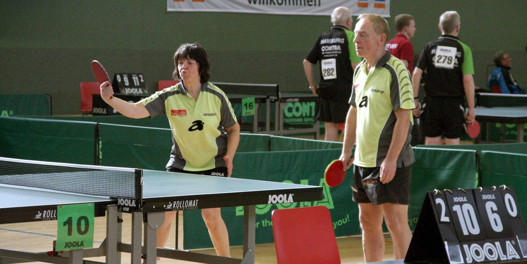 J. Baron (TTC Neukölln) und Z. Volk (Hertha BSC)