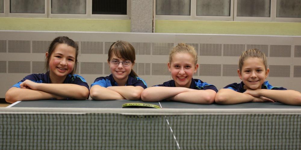Unsere Schülerinnenmannschaft: Sara Wolff, Svenja Stoll, Sophie Böhl und Isabel Ritz (von links) belegten in der Schülerinnenliga den 3. Platz.