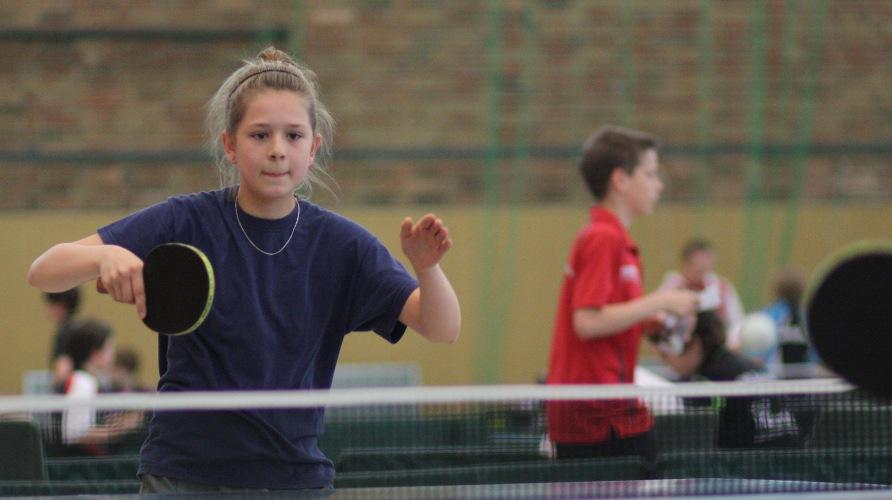 Nach dem Einzug ins Doppel-Halbfinale der Schülerinnen unterlag Isabel im Einzel im Viertelfinale der Füchsin Sina Henning.