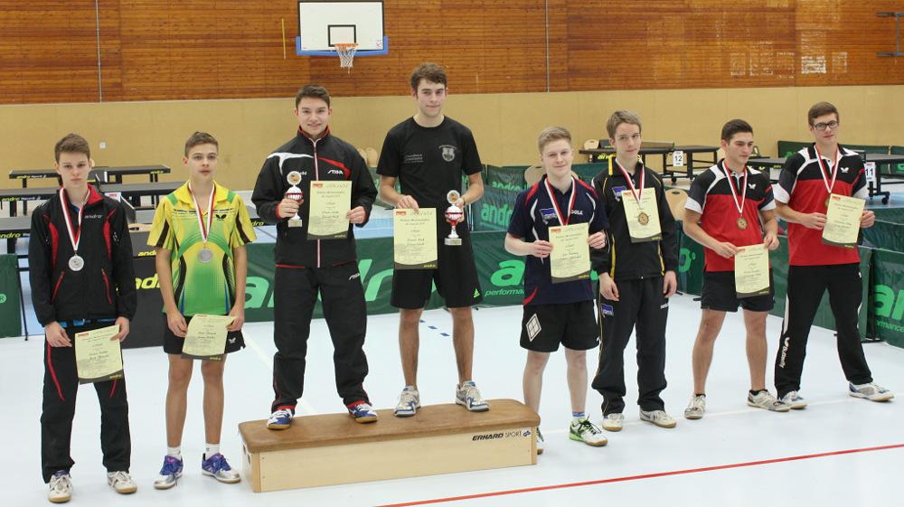Die Siegerehrung des Jungen-Doppels: 1. Platz: Goihl/Neef, 2. Platz: Kalka/Flasche, 3. Plätze: Bollweg/Sprengel und Karakiz/Uhlig