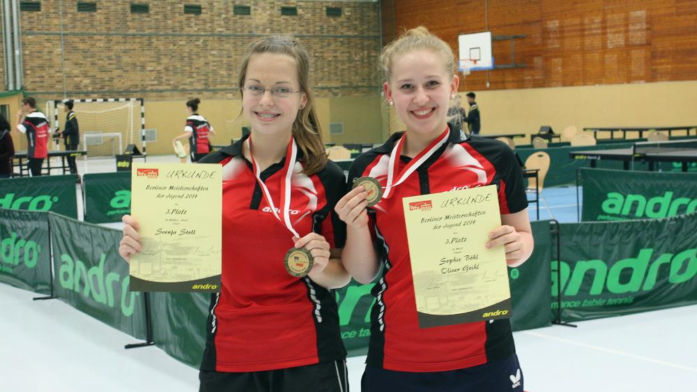 Die glücklichen Medaillengewinnerinnen: Svenja und Sophie