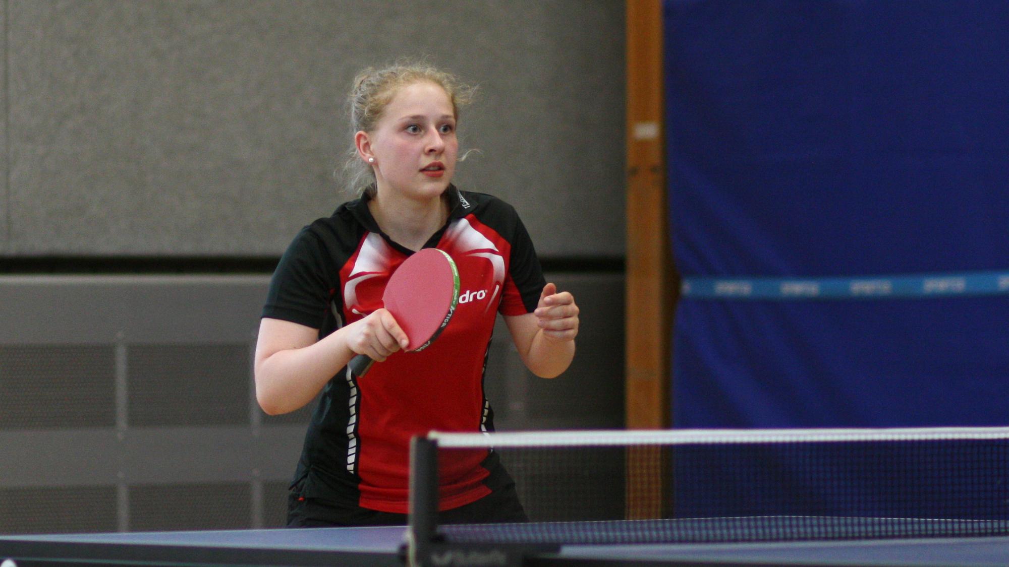 Ob sie selbst damit gerechnet hat? Nachdem sie am Samstag in der Jugend-Konkurrenz Svenja den Vortritt lassen musste, gewann Sophie am Sonntag die Vereinsmeisterschaft der Damen.