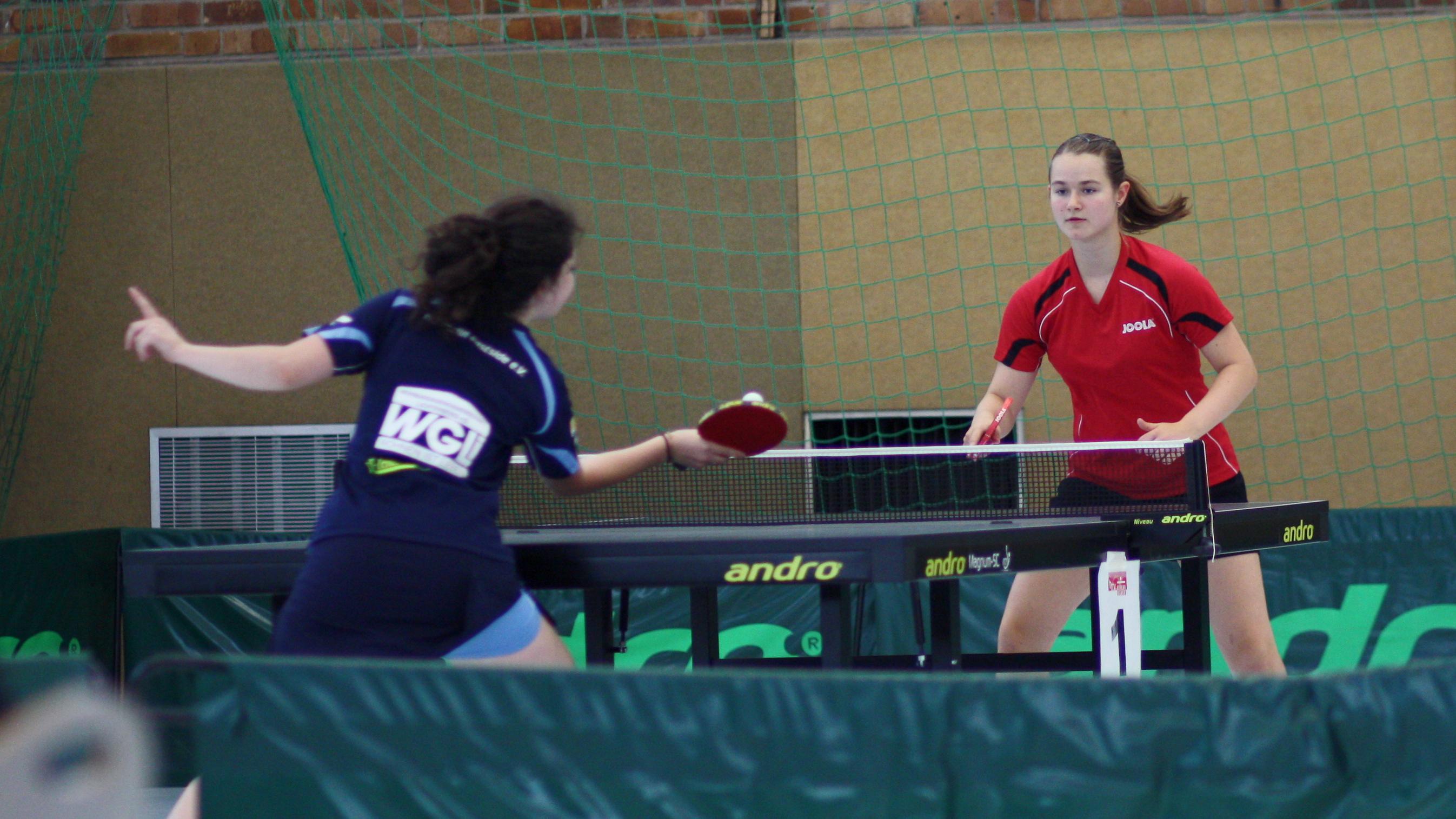 Sina Henning (in rot) konnte man in den letzten Jahren verlässlich auf dem Podium finden - dieses Jahr ging es für sie sogar nach ganz oben.