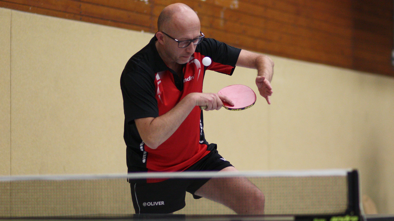 Im Einzel schied Peter schon in der Vorrunde aus - die Energie hob er sich für das Doppel auf.