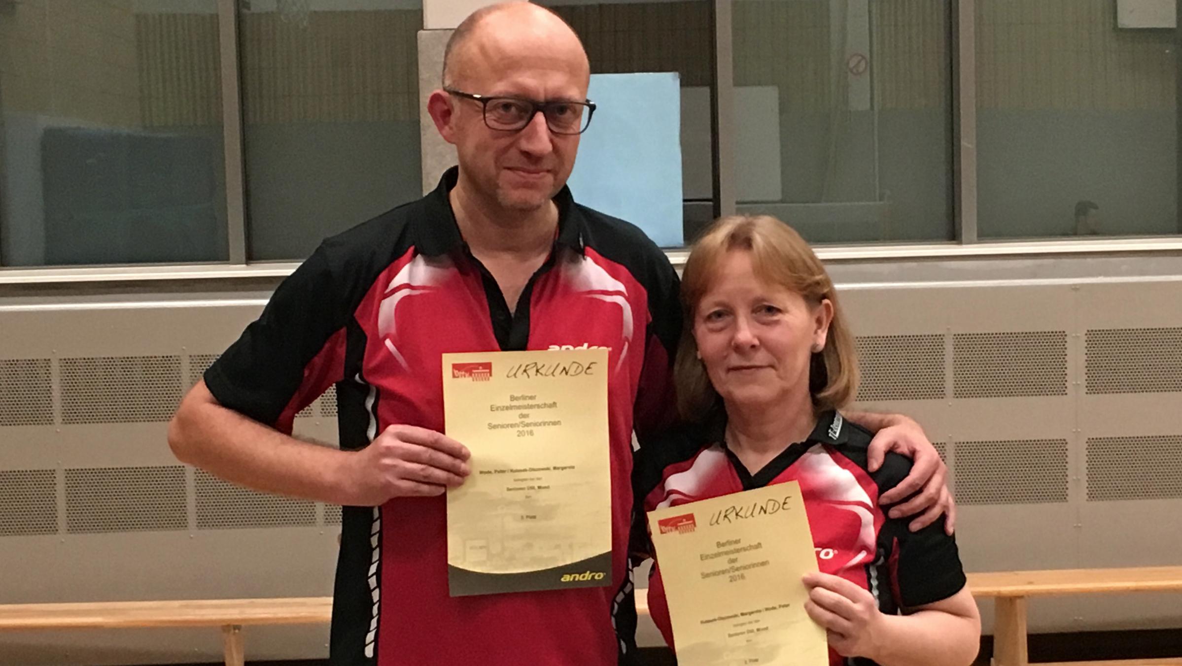Berliner Einzelmeisterschaften der Seniorinnen und Senioren: 3. Platz im Mixed für Margarete und Peter.