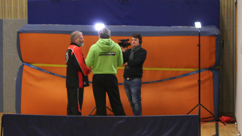 In kurzen Interviews erklärten Christian (im Bild), Marc und Felix, was Tischtennis beim STTK ausmacht.