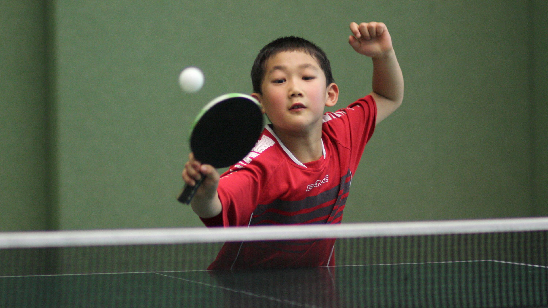 Jiahe (erstes D-Schüler-Jahr) spielte sein erstes Turnier und zeigte bereits sein Talent.