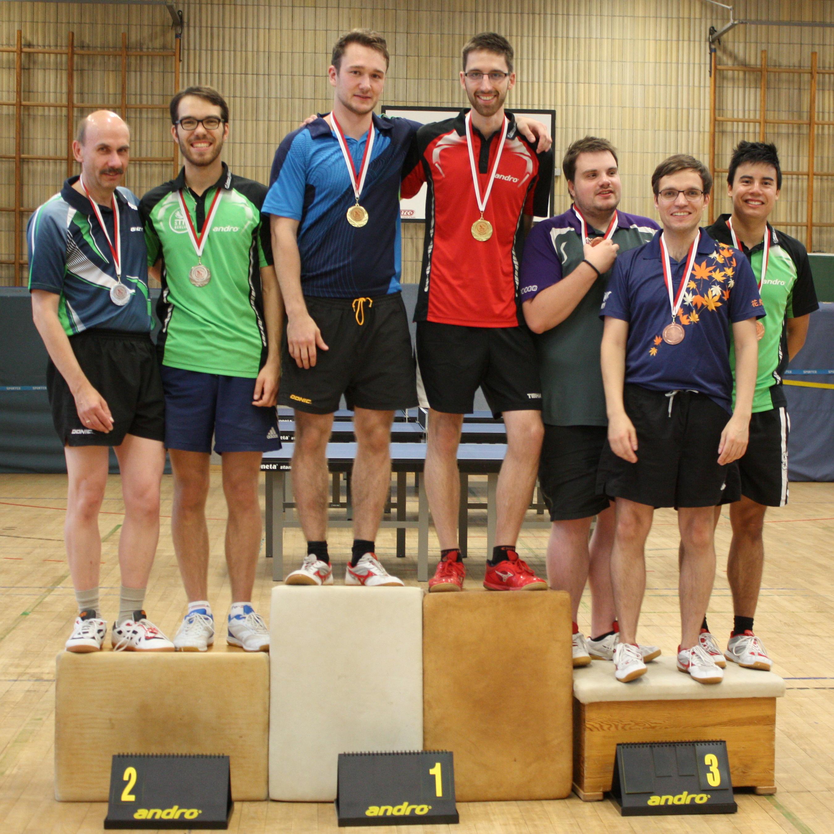 Siegerehrung Herren-Doppel: 1. Platz: Alex/Felix, 2. Platz: Martin/Ramon, 3. Plätze: Domenik/Marc (hinten), Sascha/Peter (vorne, nicht im Bild)
