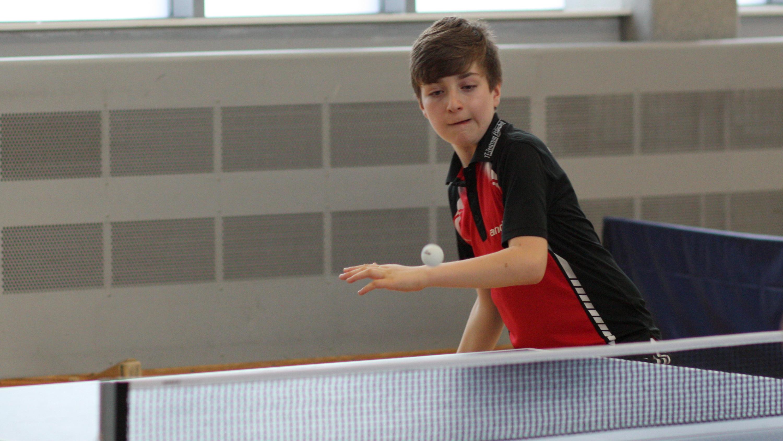 Im Finale der C-Schüler spielte Timo sehr konzentriert und bestimmte gut die Hälfte des Spiels. Am Ende musste er sich doch Michels Kampfgeist geschlagen geben.