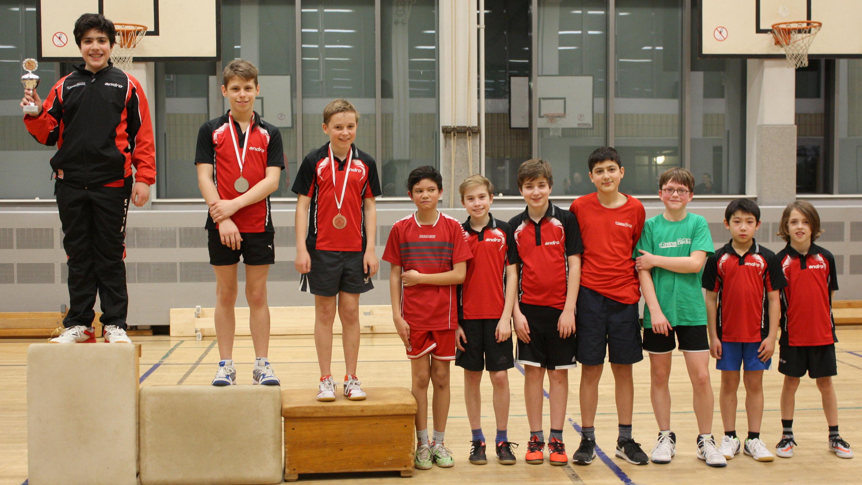 Siegerehrung Vereinsrangliste A-/B-/C-Schüler: 1. Platz Miguel, 2. Finn, 3. Michel, 4. Raden, 5. Felix, 6. Timo, 7. Hüseyin, 8. Valentin, 9. Jiayu, 10. Oscar