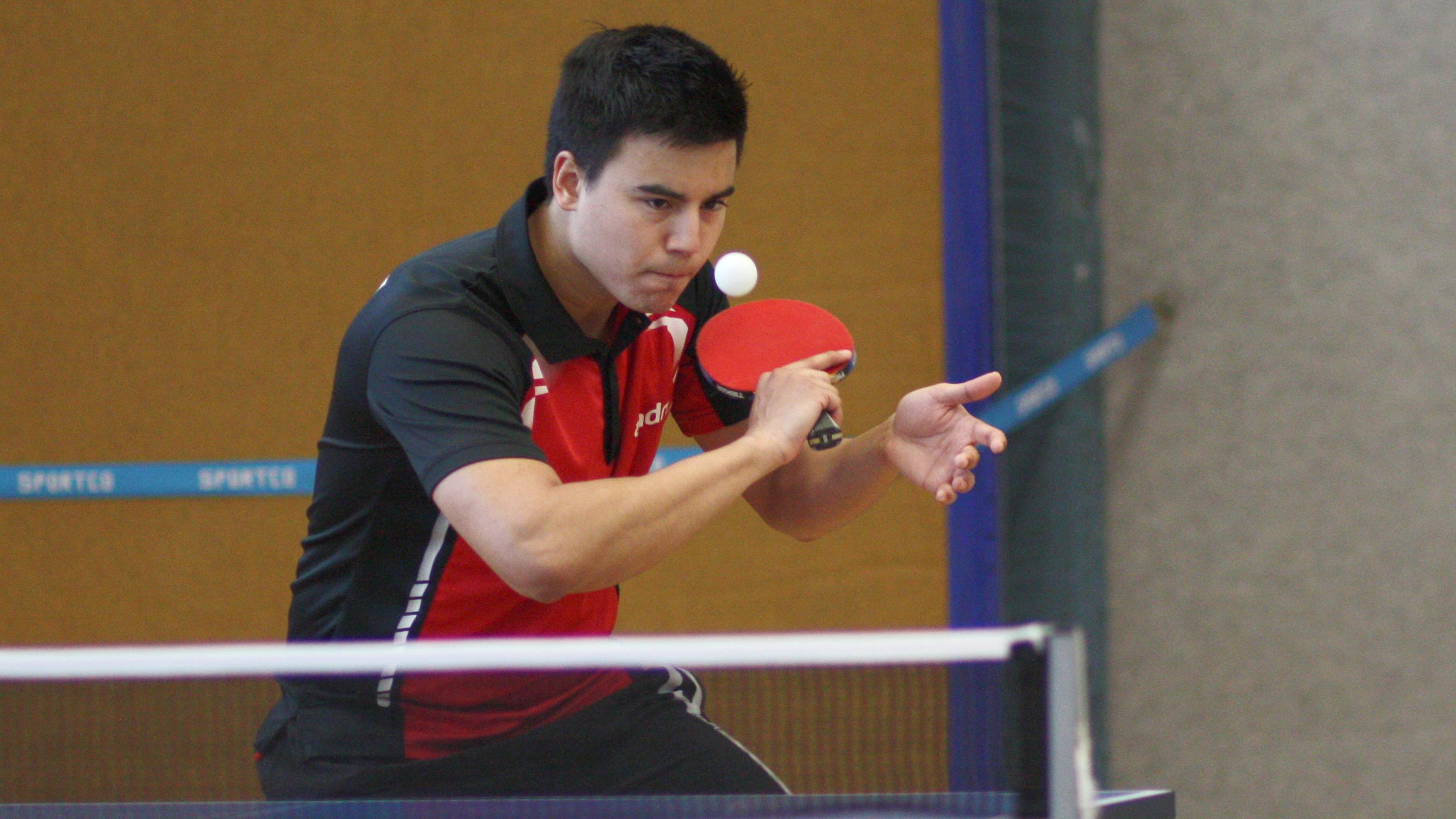 Sieg im Doppel und in seinem zweiten Einzel ein 0:2 in 3:2 gedreht - Marc im Spiel gegen Köpenick
