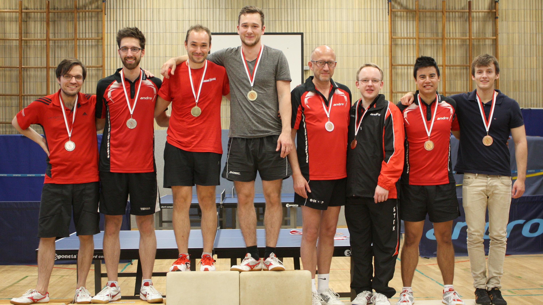 Siegerehrung Doppel: 1. Lennart/Alex, 2. Sascha/Felix, 3. Robin/Marc und Peter/Richard