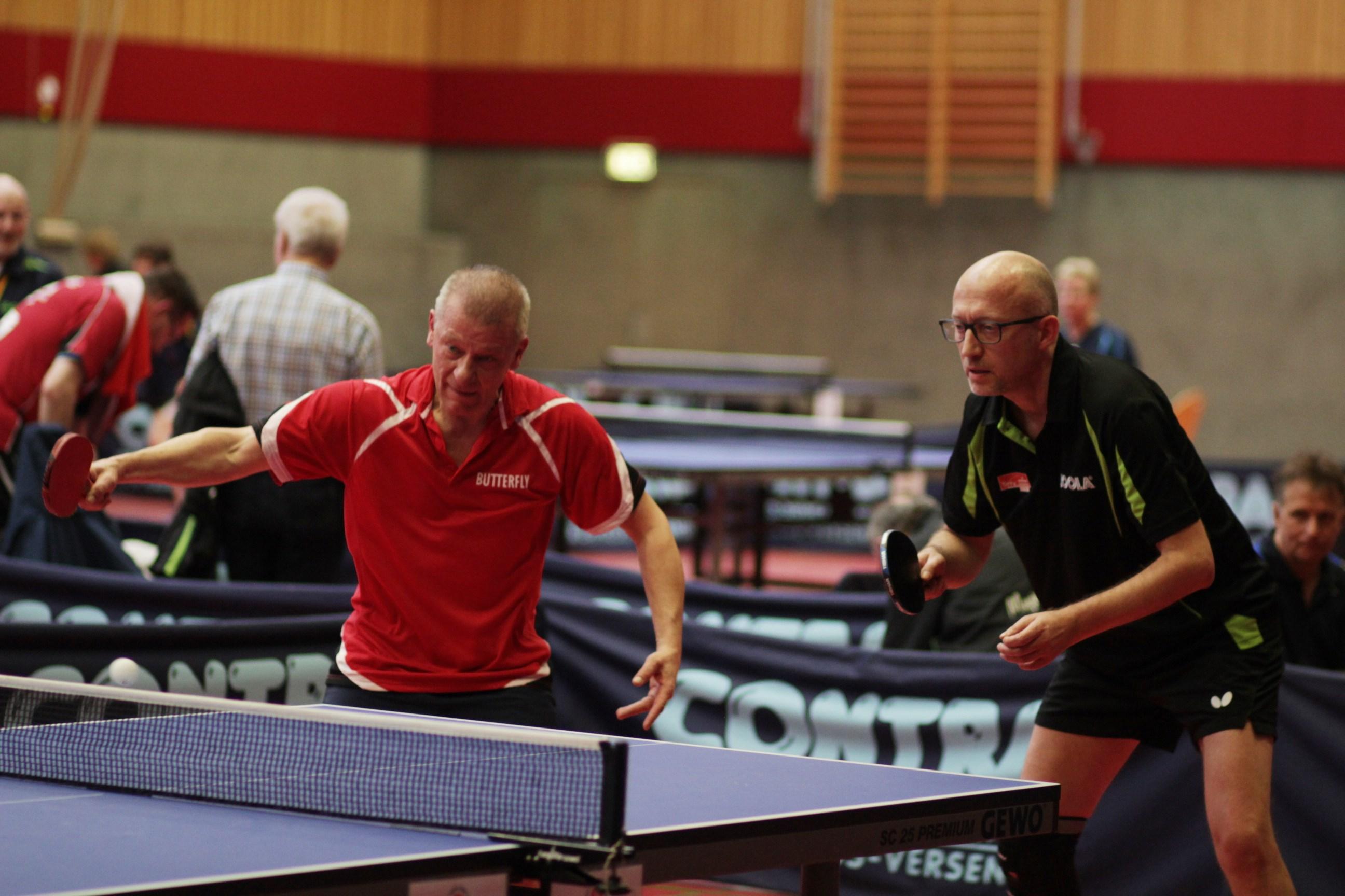 Im Doppel Ü 40 kam Peter (rechts) mit seinem Partner Behr (Mecklenburg Vorpommern) ins Viertelfinale.