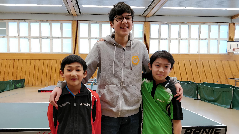 Steglitzer Turnierteilnehmer am Samstag: Jiahe, Hüseyin und Jiayu (von links)