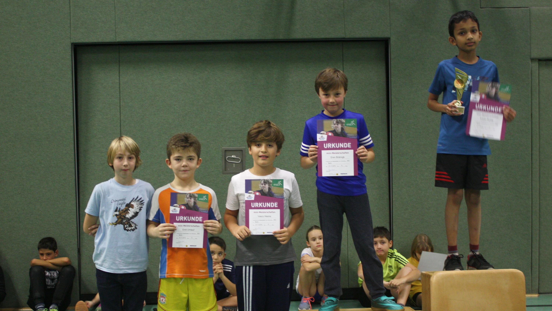 Siegerehrung mini-Meisterschaften Ortsentscheid Jungen 2008/2009