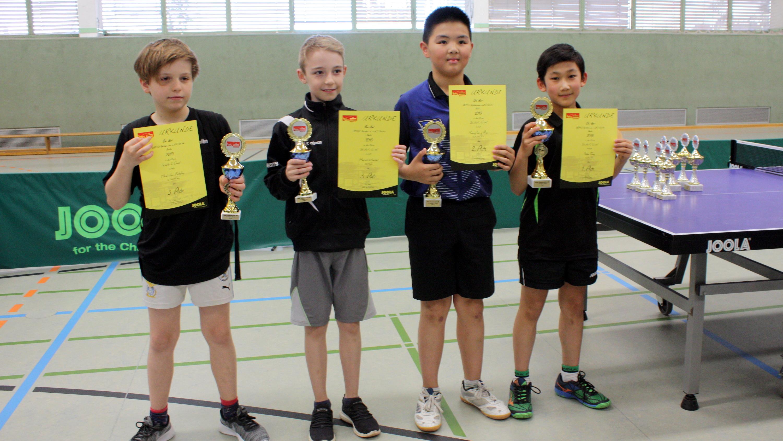 Siegerehrung Bestenspiele 2019 C-Schüler Einzel: Jiahe (1. v. r.) holt Gold