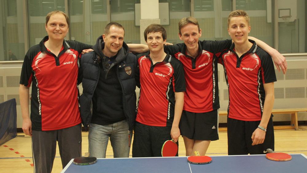 7 Herren beim Spiel gegen den OSC IV (Rückrunde 2014/2015): Thoralf Hanstein, Michael Pollow, Jonas Michels, Hilmar Hartmann, Ben Peters (von links)